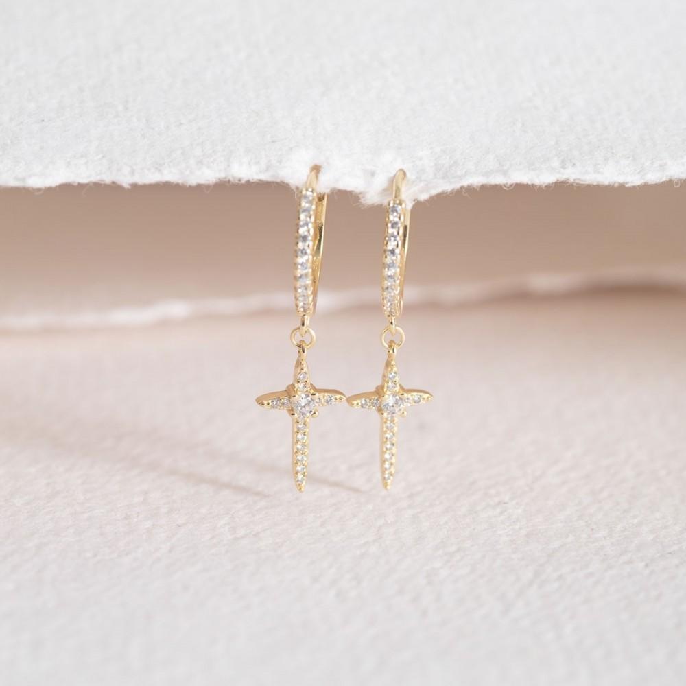COURTNEY WHITE - Gold ring earring...